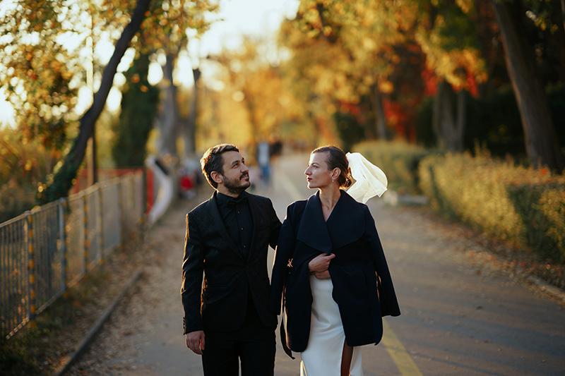 класически младоженци